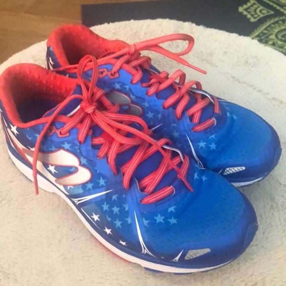 Newton Taps X Gatlin Running Shoes